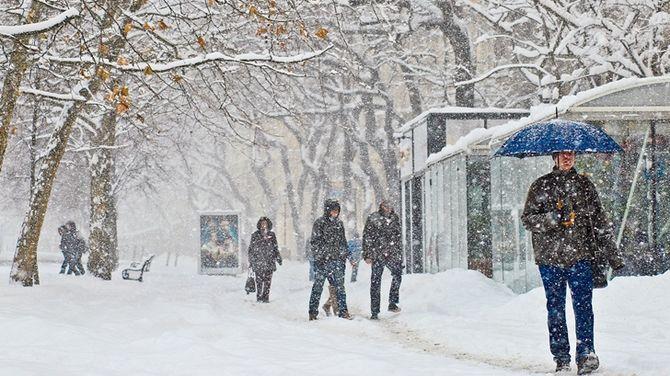 Baby posielam vám trošku snehu na Slovensko dúfam že vám to rýchlo príde :) - Italy 2014