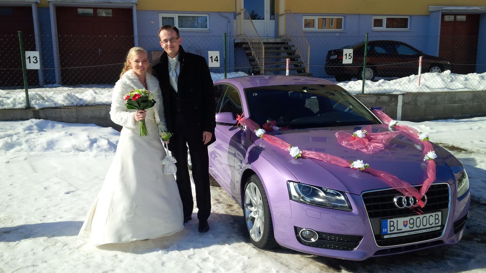 Dievčatá pridám vám aspoň jednu fotku z nášho svadobného dňa :) - Obrázok č. 1