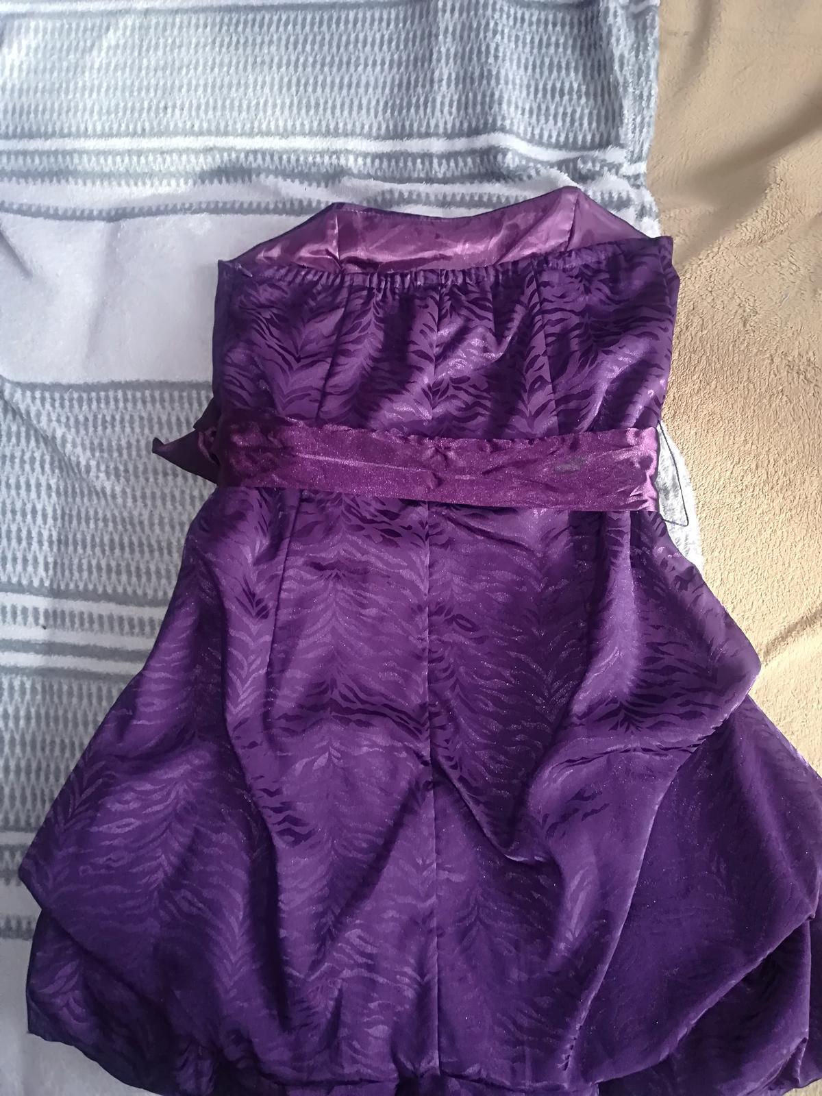 spoločenské šaty S/Xs - Obrázok č. 3