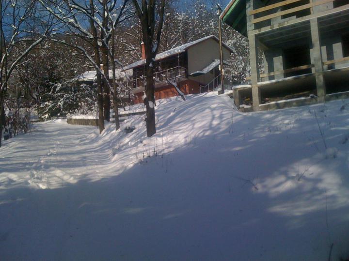 Stavba chata - December 2009 prvy sneh