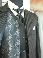 Krasny oblek.