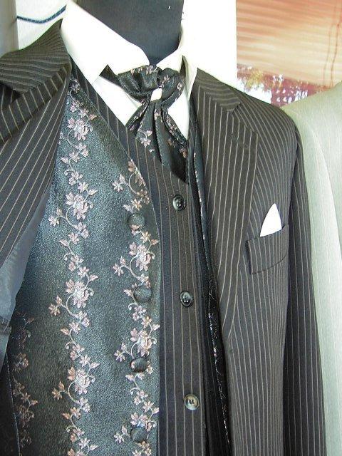 My :-) Lucka+Janik - Krasny oblek.