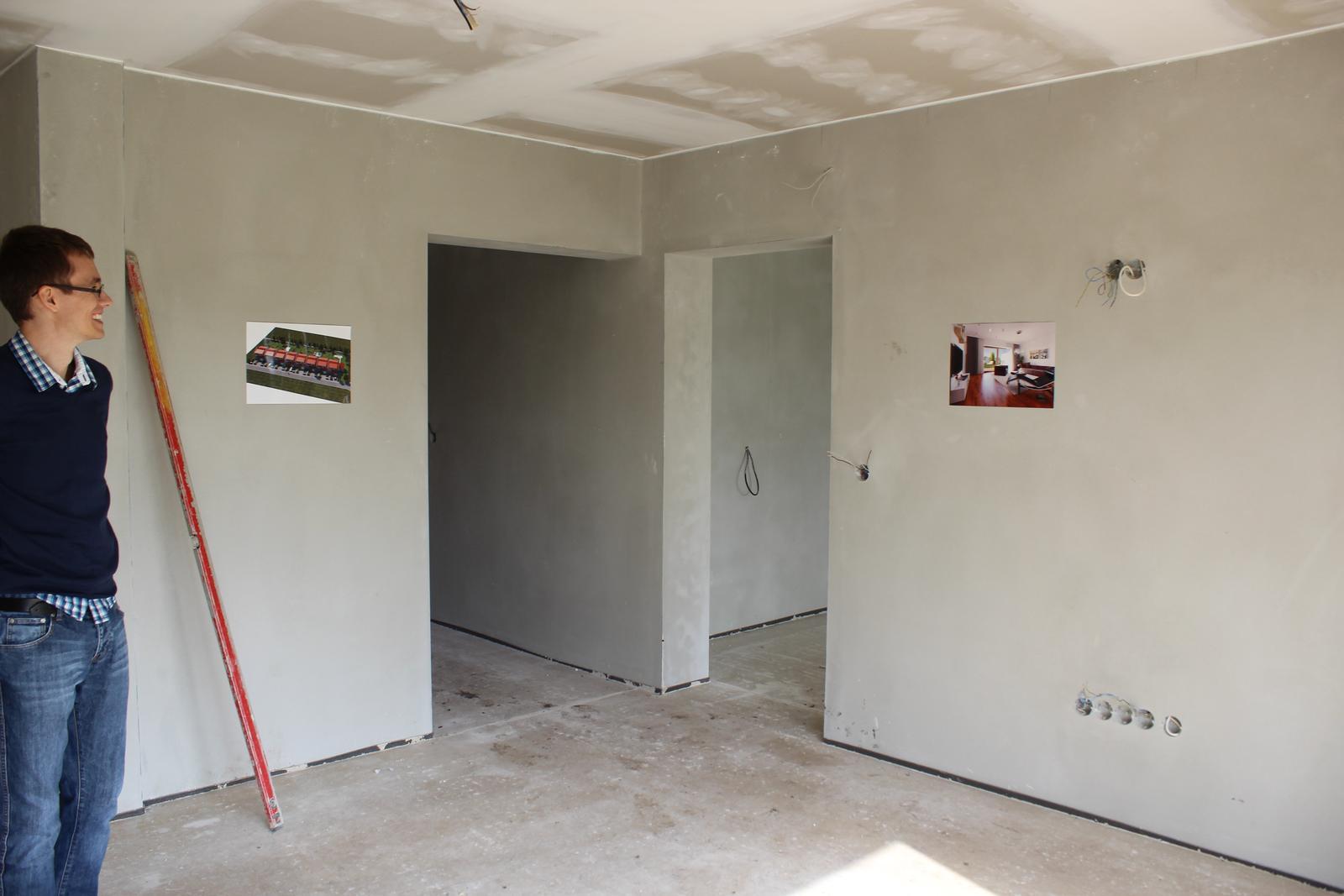 Splněný sen ... domeček - pohled na televizni stenu za kterou je kuchyn s jidelnou