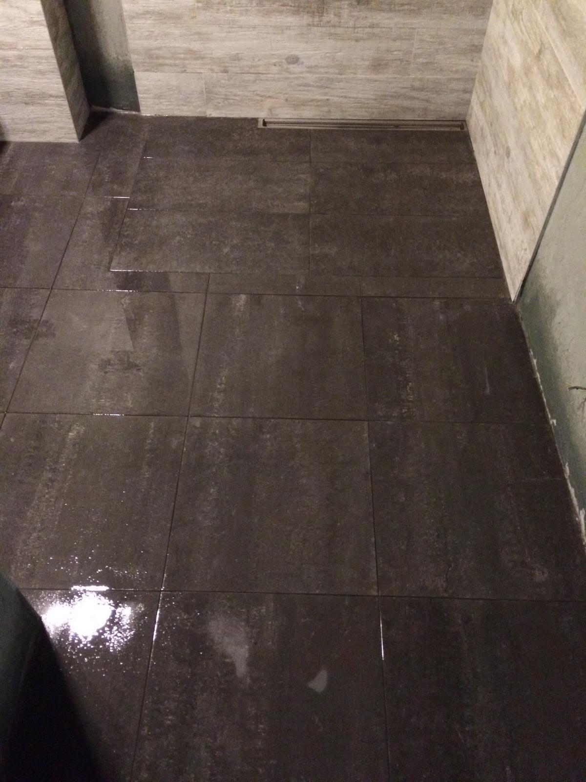Splněný sen ... domeček - Podlaha v koupelne aspon jeden den umyta .... Zatim :)