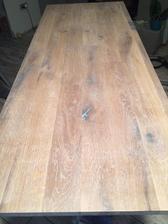 Namorena dubova deska pod umyvadlo do koupelny, zitra nalakovat pak dat stolek dohromady a do nedele by umyvadlo mohlo byt hotove :)