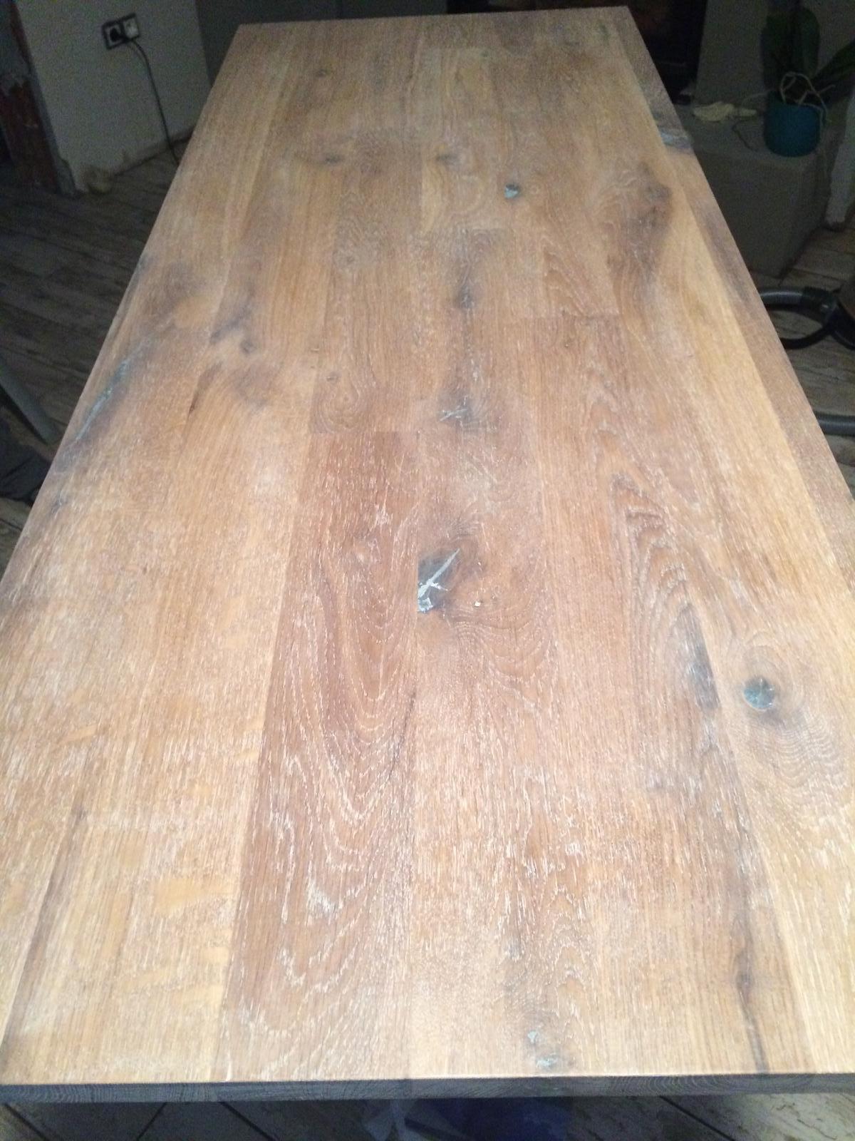 Splněný sen ... domeček - Namorena dubova deska pod umyvadlo do koupelny, zitra nalakovat pak dat stolek dohromady a do nedele by umyvadlo mohlo byt hotove :)