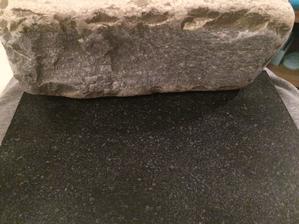 Takhle jenom vzorek s kamenem az to bude cele hodim foto :)