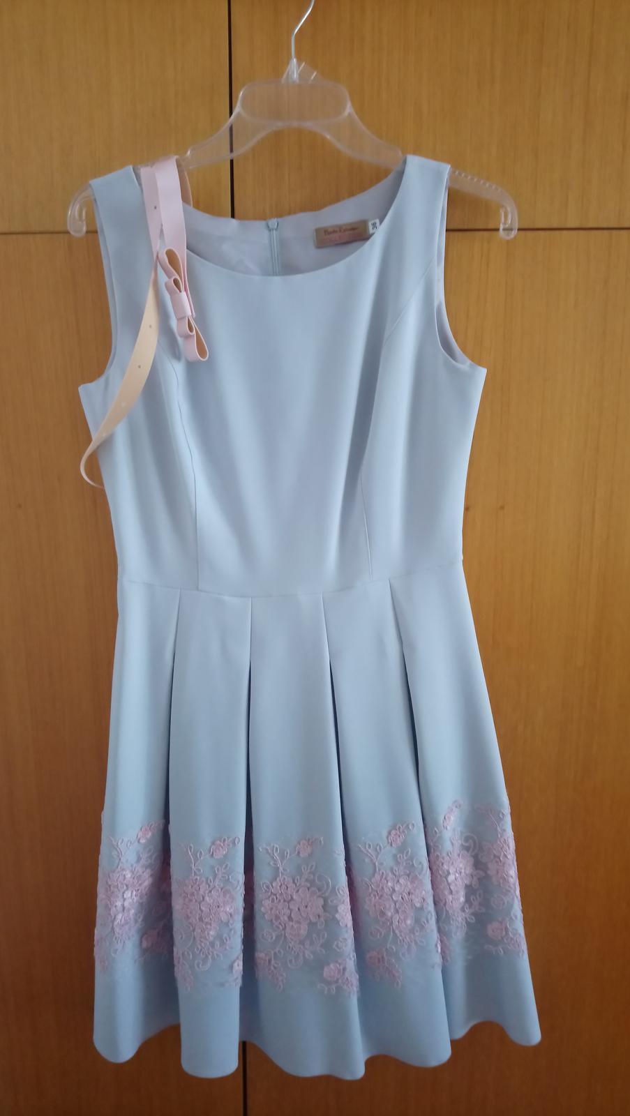 Krátke šedo-ružové šaty - Obrázok č. 1