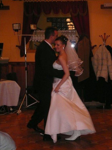 Janka J.{{_AND_}}Radovan M. - 1.manzelsky tanec