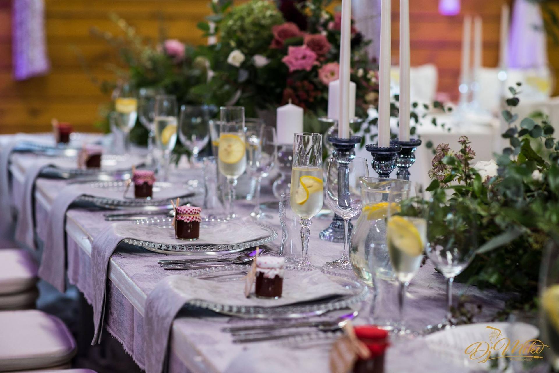 dekoračné sklenené taniere so striebornými guličkami na predaj, 6Eur/ks - Obrázok č. 1