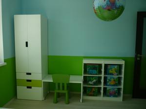 Fuuu, dnes som sa teda zapotila......Tramtadadaaaa......detska izba komplet :)