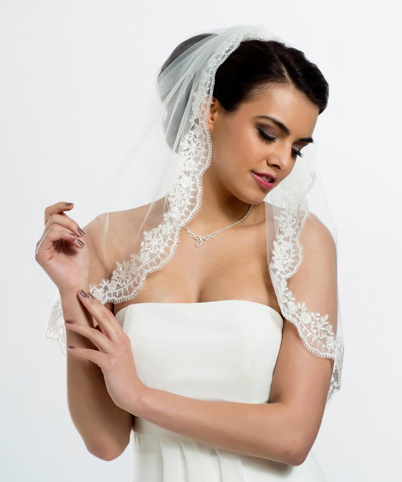 Španielsky svadobný závoj - Obrázok č. 1