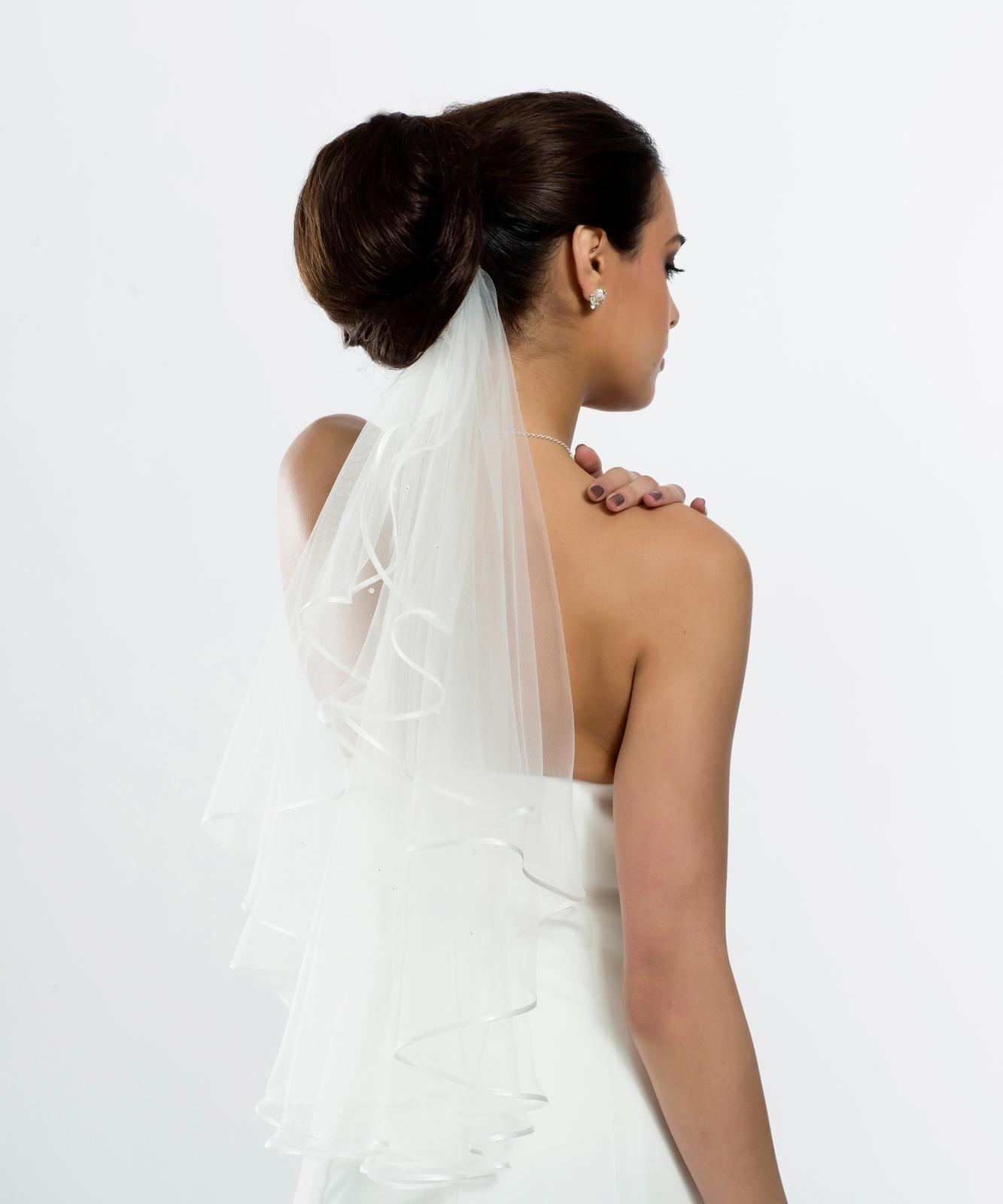 Perličkový svadobný závoj - Obrázok č. 1