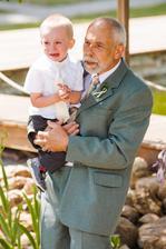 Podoba našeho malého s dědou je zřejmá :-) Foto Nejmil