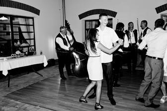 Na cimbálovku tančily všechny ročníky :-)