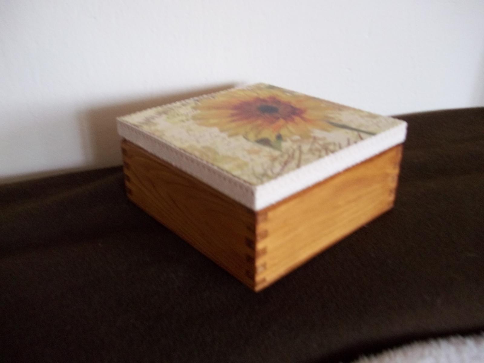 Drevená dekoračná krabička - Obrázok č. 2