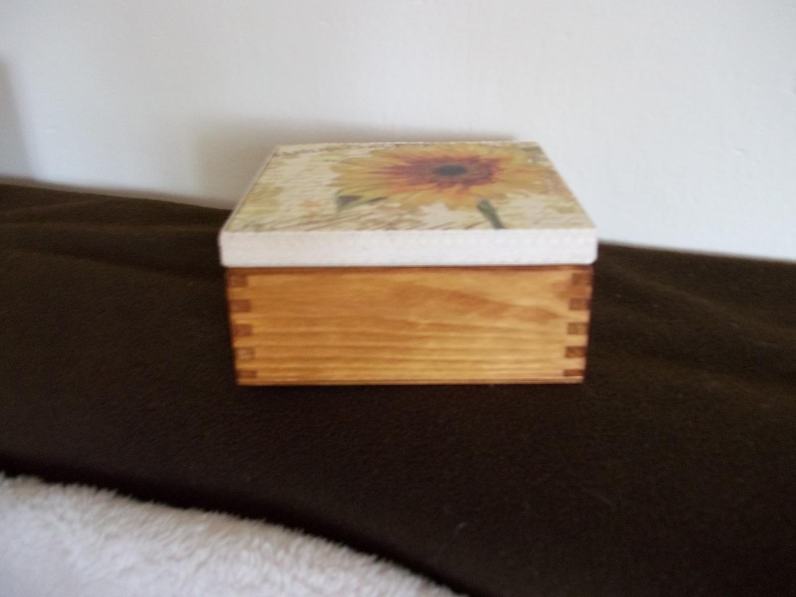 Drevená dekoračná krabička - Obrázok č. 3