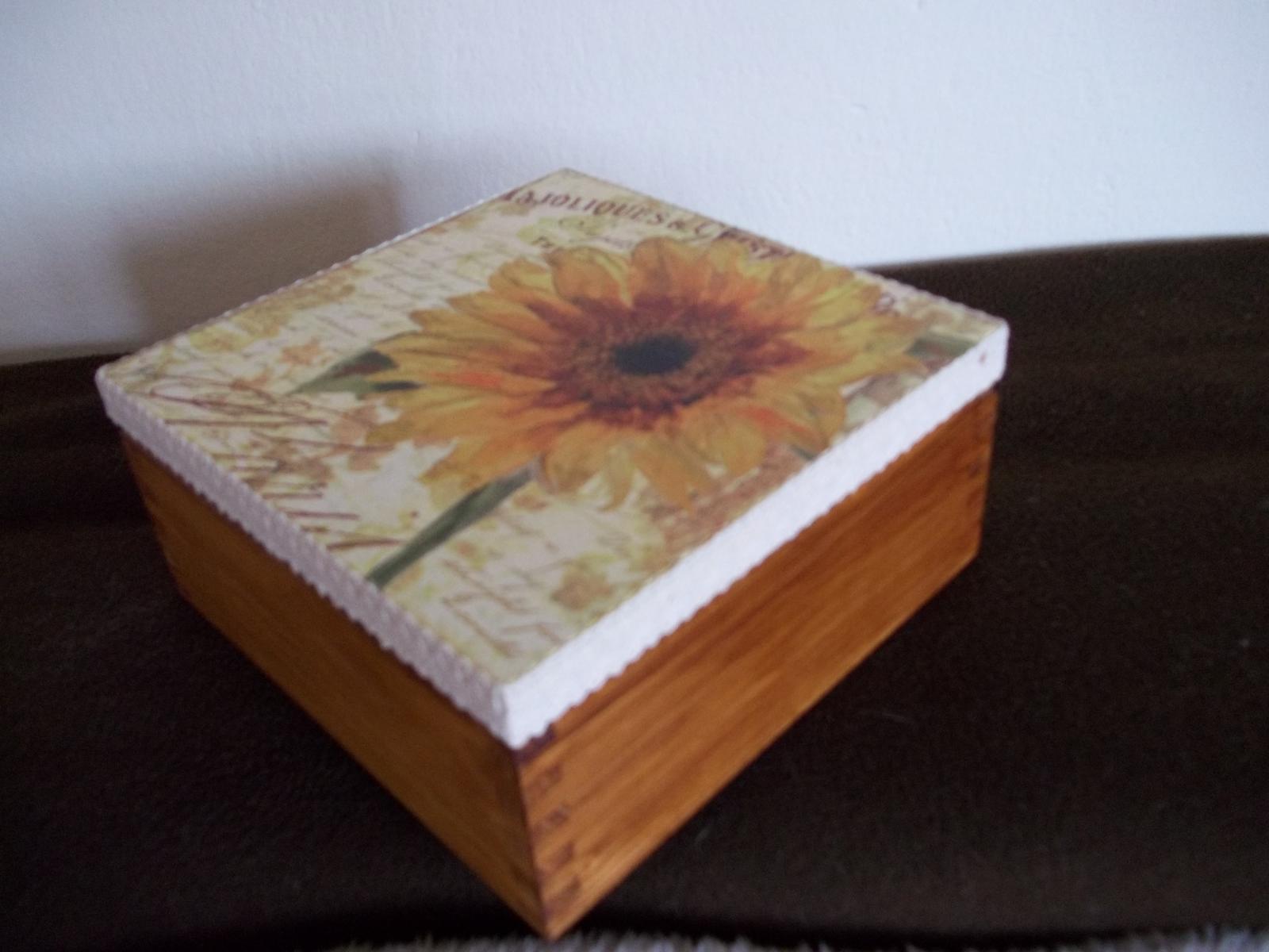 Drevená dekoračná krabička - Obrázok č. 1