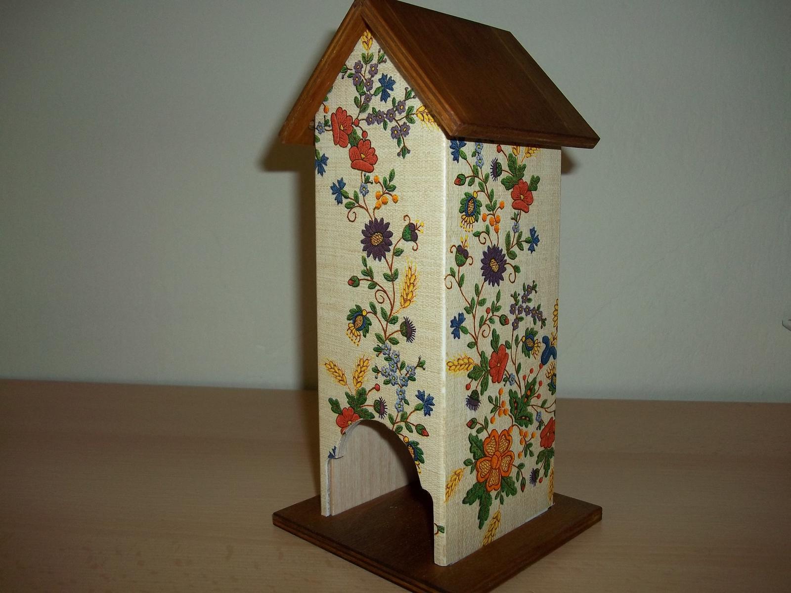 Drevený domček na čajové vrecúška - Obrázok č. 1