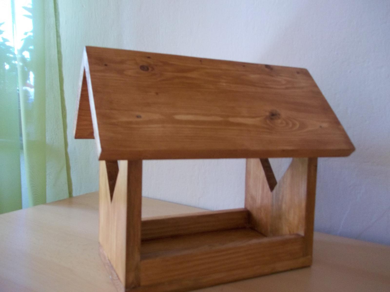 Drevené kŕmidlo pre vtáčiky so srdiečkami,s poštovným - Obrázok č. 3