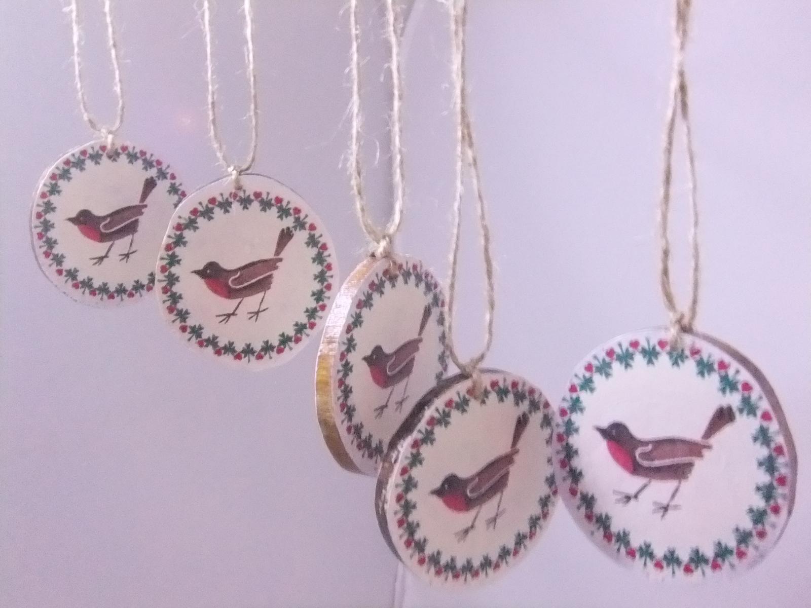 Prírodná dekorácia vtáčiky,sada 5ks s poštou - Obrázok č. 1