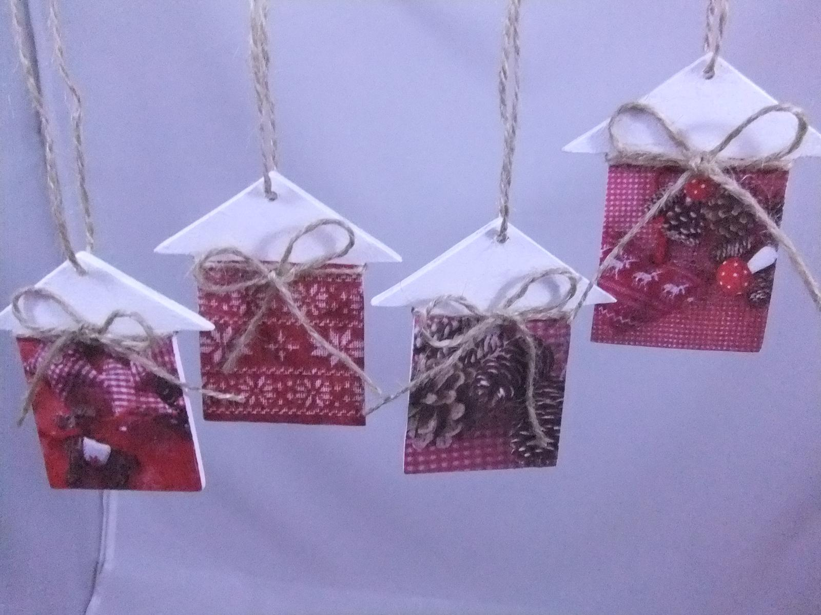 Vianočné domčeky,cena spolu za 4ks s poštovným - Obrázok č. 1