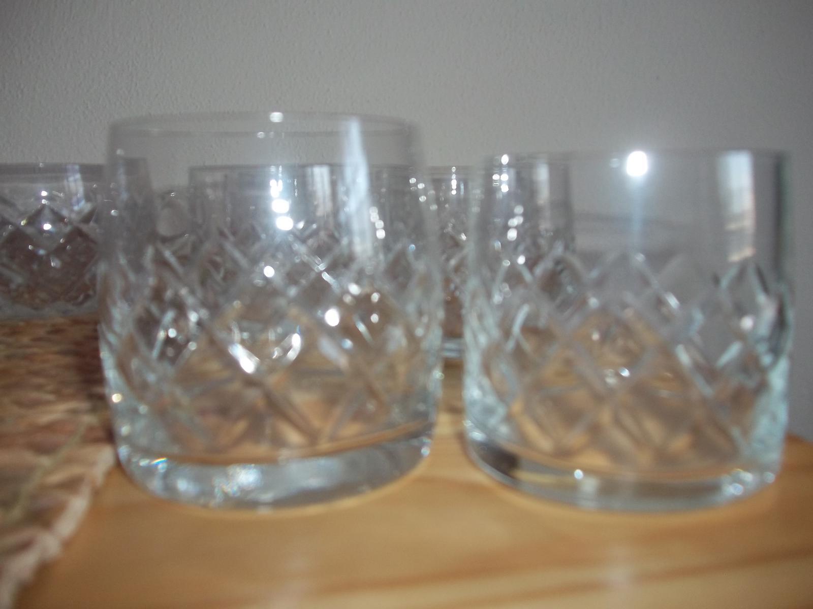 Sady pohárov v dvoch veľkostiach,cena spolu - Obrázok č. 1