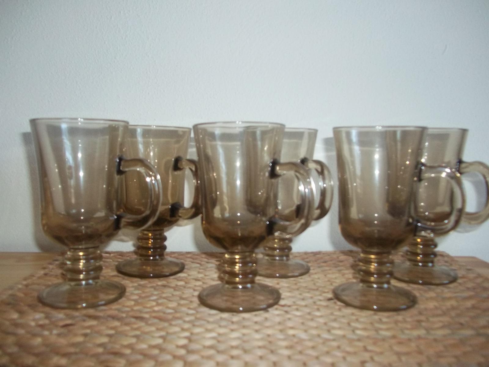 Sada pohárov s uškom z hnedého skla - Obrázok č. 1
