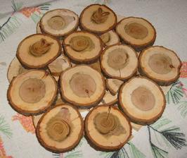 Podložka pod horúci hrniec zo slivkového a orechového dreva