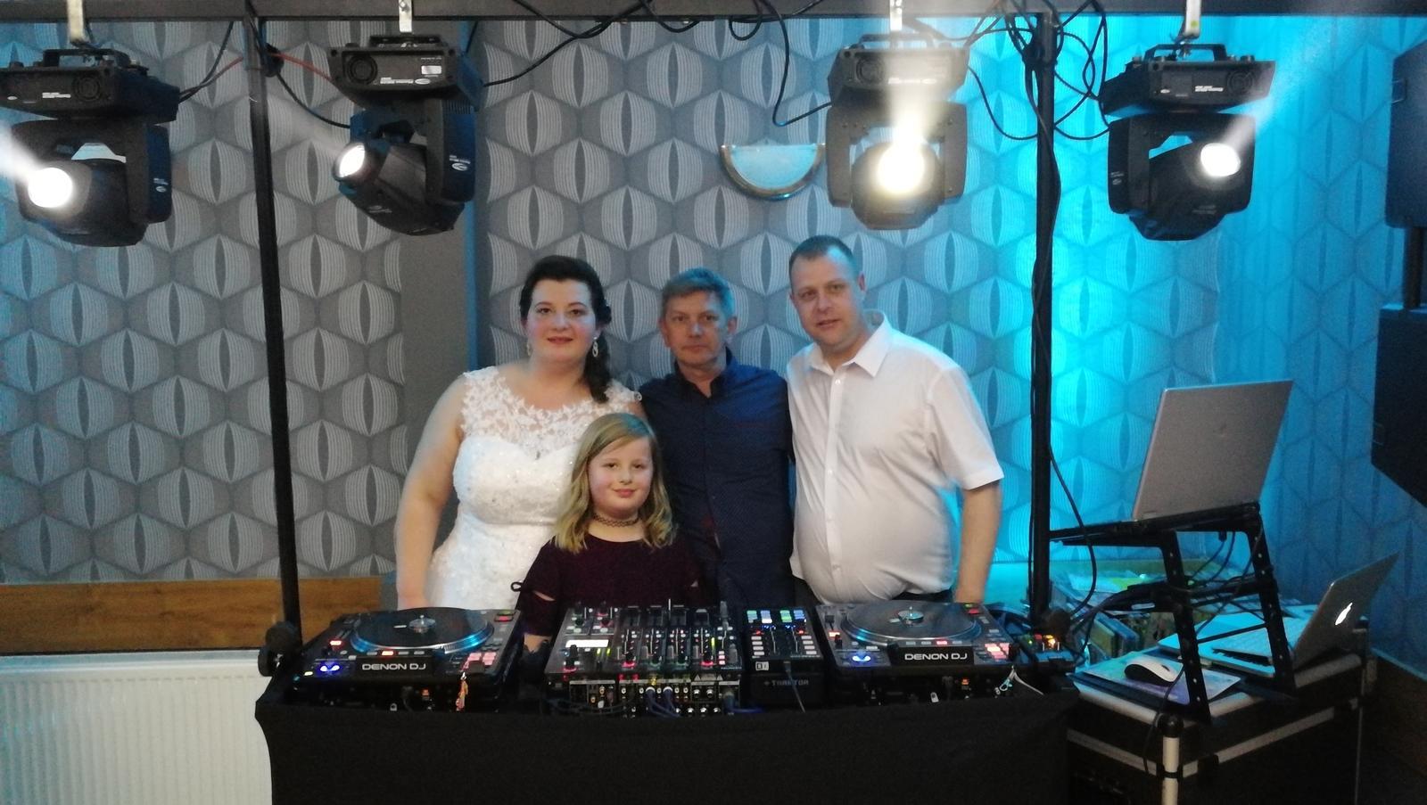 djmarco - Svadba Margita-Ilona - s mladým párom