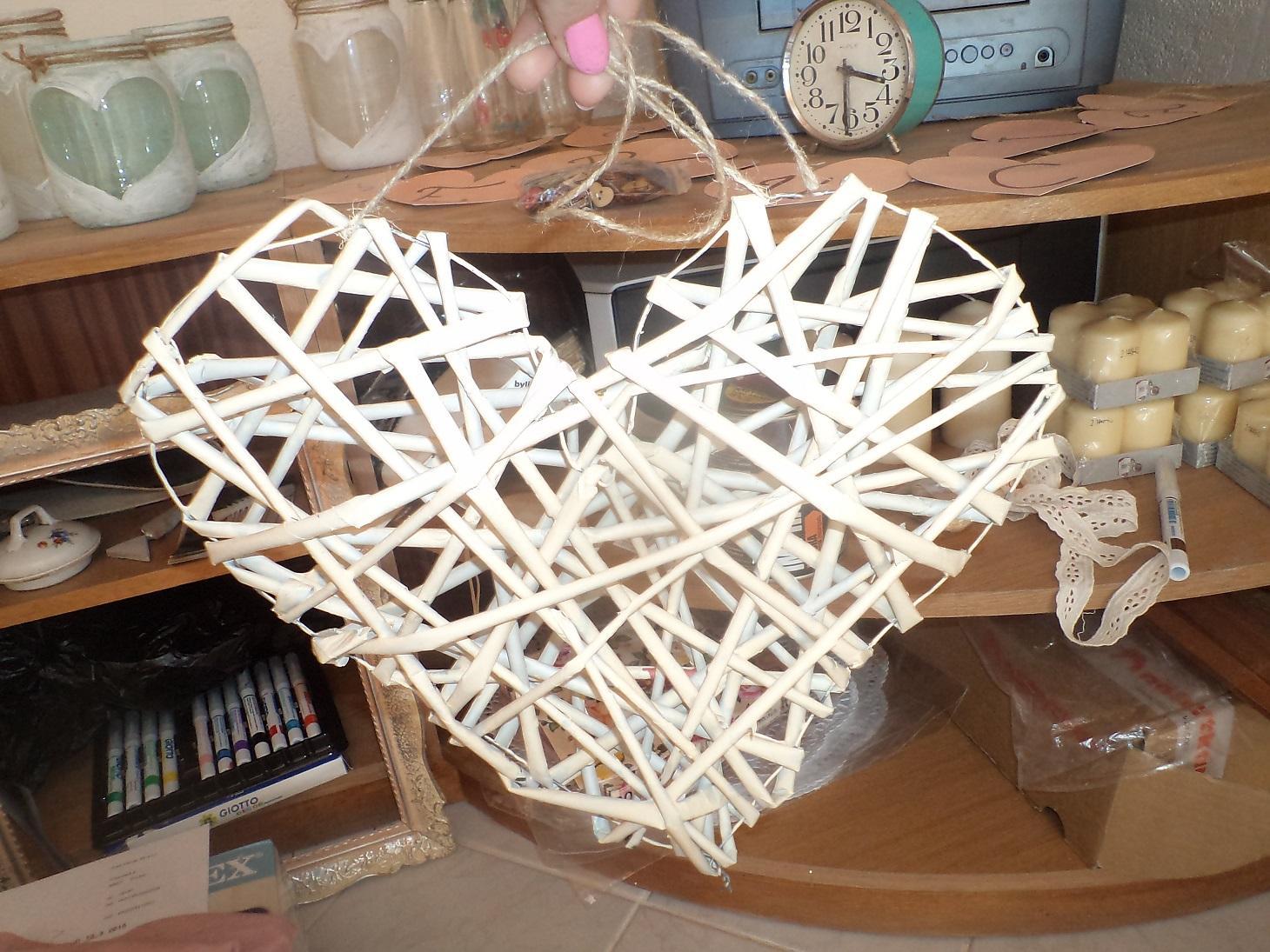 Predstavujem si & tvorím - skúška papierového pletenia, naživo to vyzerá fajn, tak ešte pár urobím