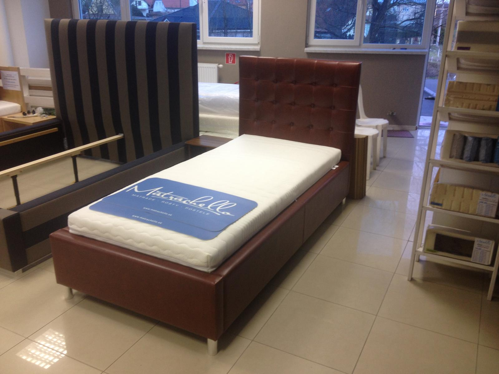 Čalúnené postele - vyrobili sme - www.matrachello.sk