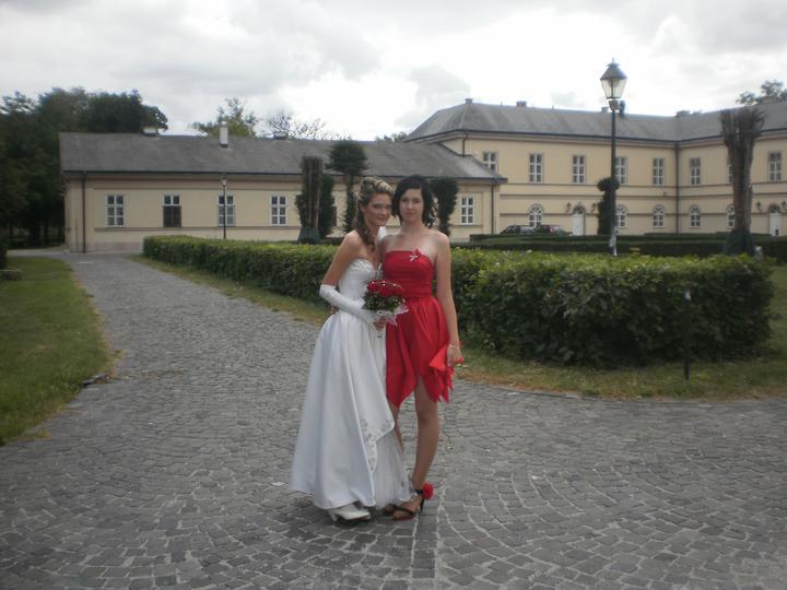 Maťka{{_AND_}}Gabko - moja malá sestra a družička :)
