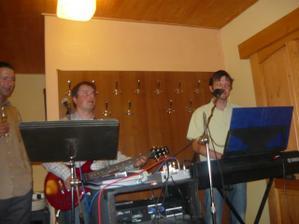 a taky klukům z bývalé kapely Louisiany