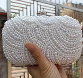 kabelka pompadurka biela perlová,
