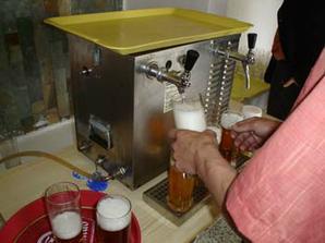 piva bylo dost, každý se mohl obsloužit sám:-)