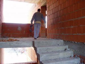 vstup do nášho bytu... jar 2008