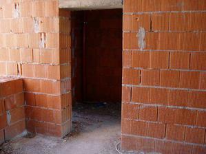 vstupné dvere (1. krát sme boli v byte...)
