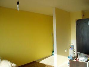 ... naše žlté steny foto robené cez deň...