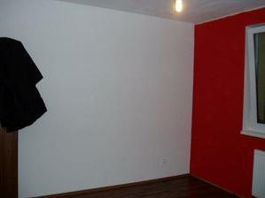 ... na tu bielu stenu budeme lepiť tapetu...