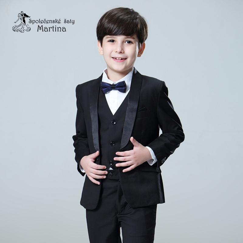 chlapecký oblek - Obrázok č. 1