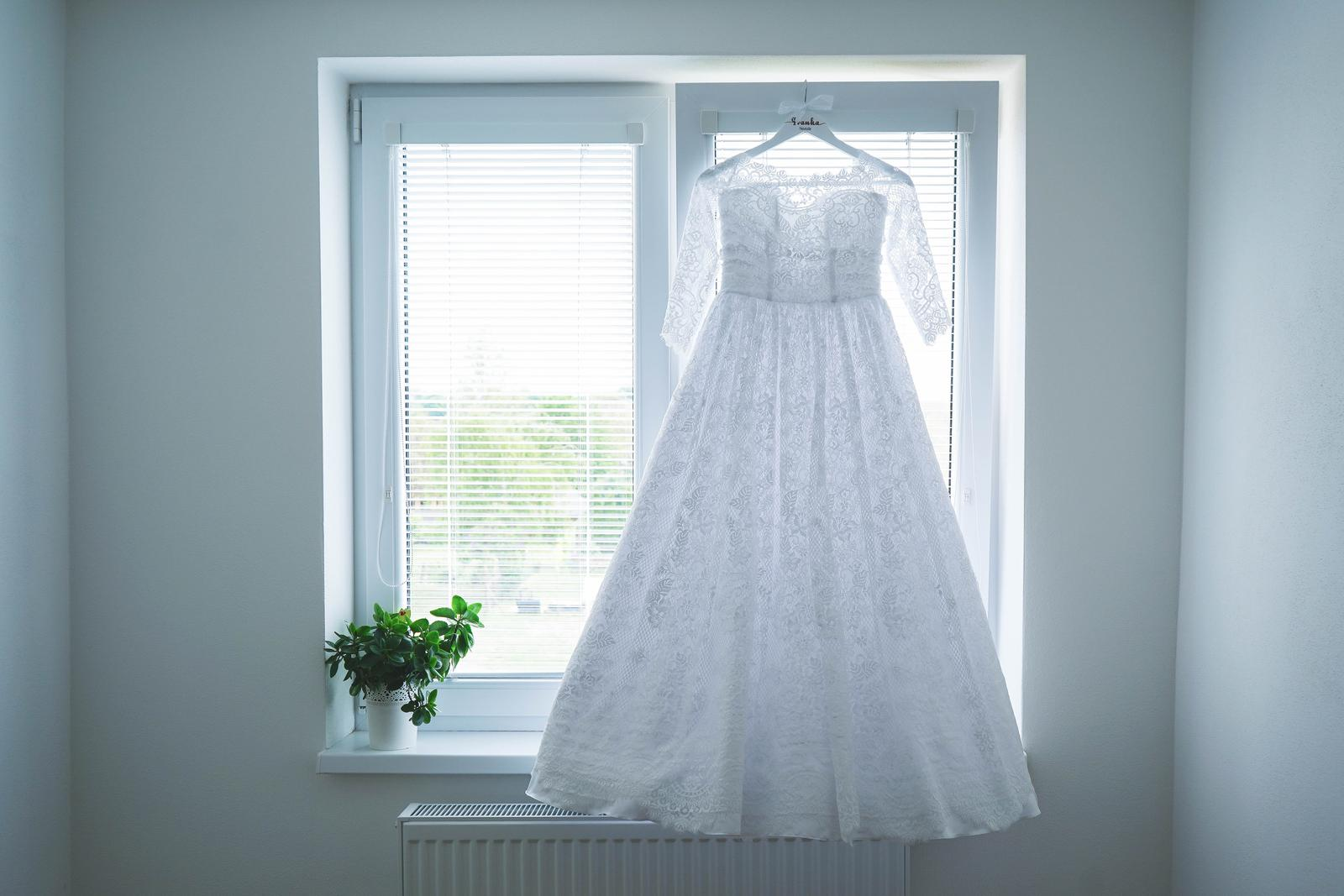 Svadobné šaty pre nízku nevestu - Obrázok č. 1