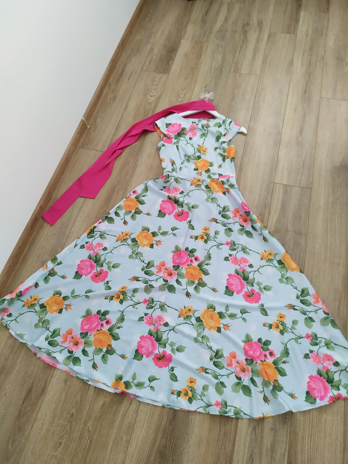 Dlhé kvietkované šaty - Obrázok č. 2