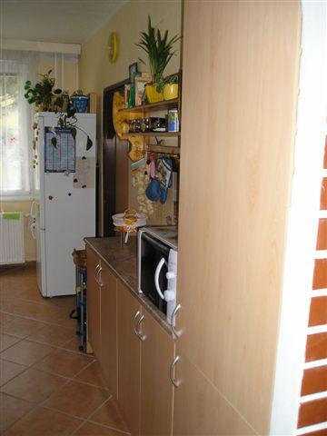 Koupelna (a taky kuchyň) - Hotová kuchyň...
