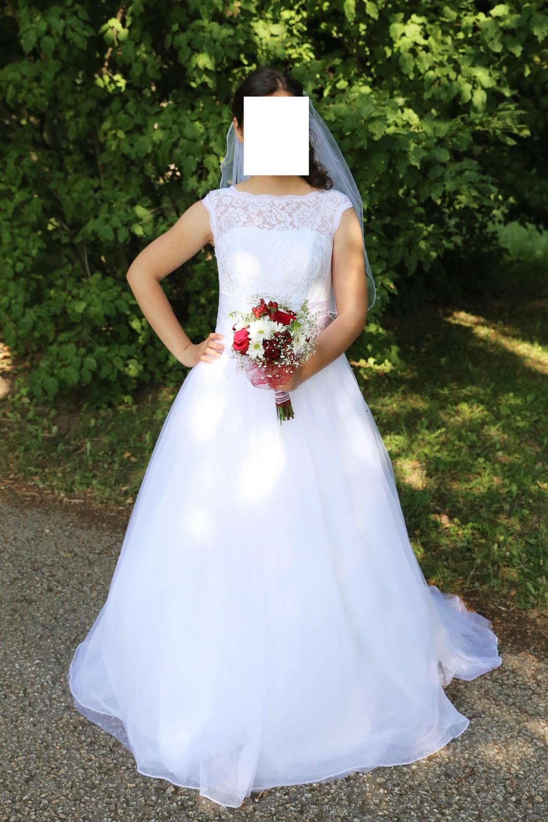 Svatební šaty (38) - Obrázek č. 1