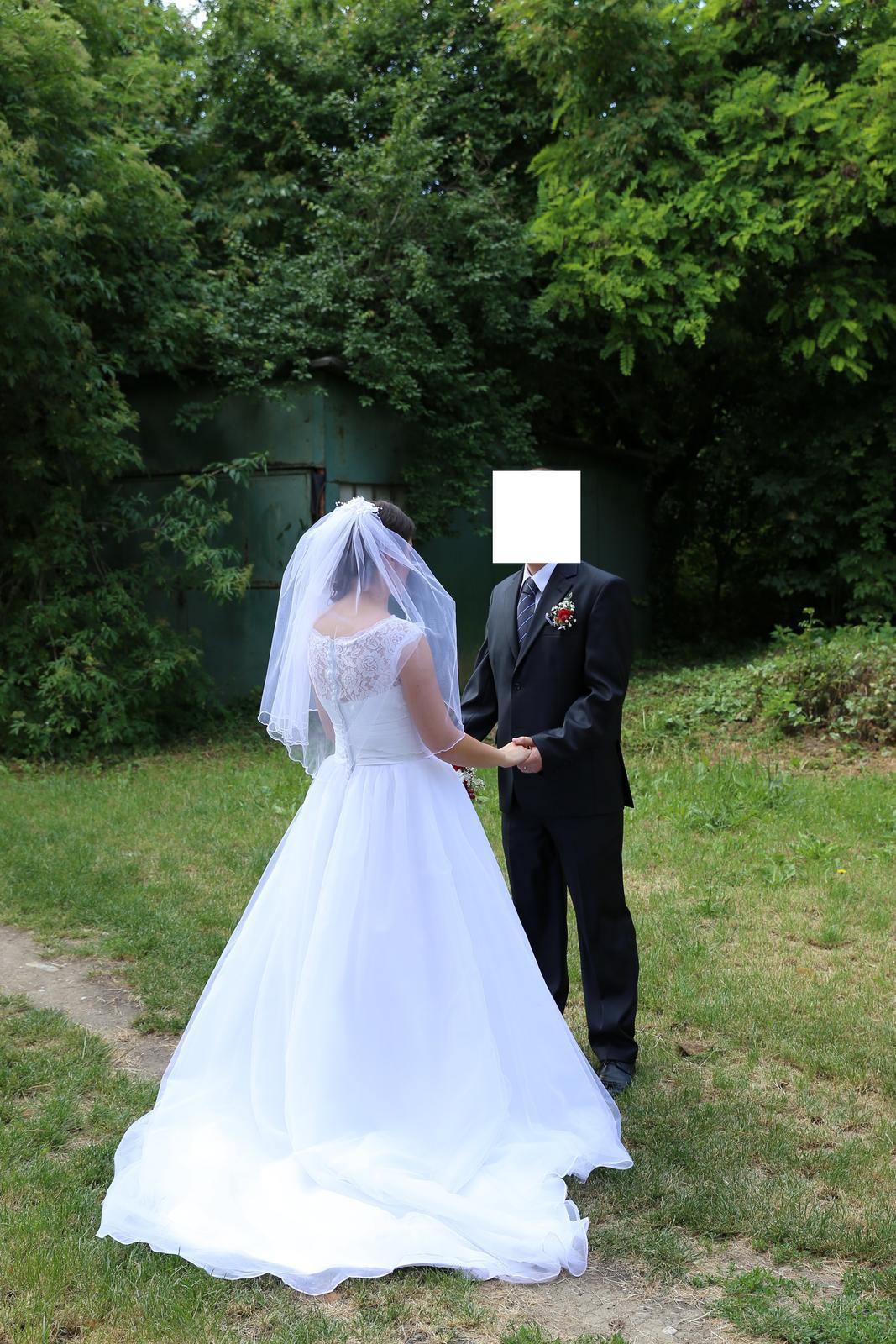 Svatební šaty (38) - Obrázek č. 2