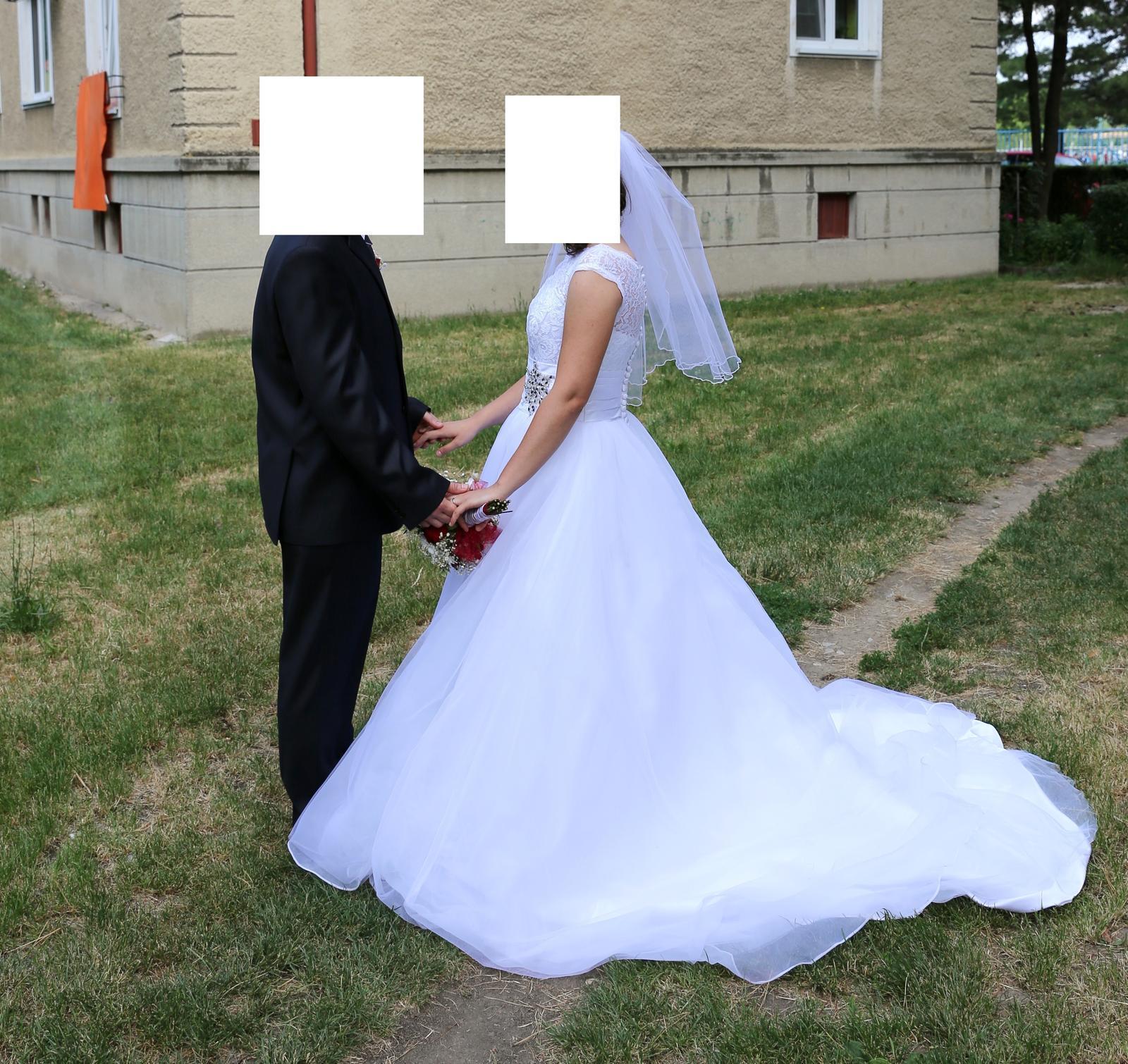 Svatební šaty (38) - Obrázek č. 4