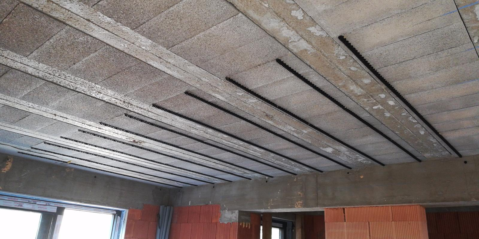Montáž stropné chladenie Rehau 220m2 mokrý systém - Obrázok č. 2