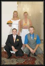 Se svědky, můj bratranec a jeho žena, paradoxně jsme se seznámili na jejich svatbě