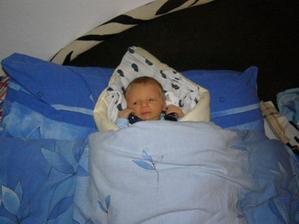 spím v maminčině posteli
